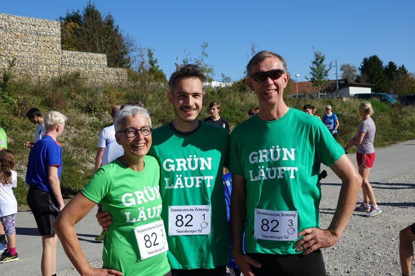 Team Grün läuft - Martina Neubauer mit Sohn Maurus und Bürgermeisterkandidat Hans Wilhelm Knape beim Landkreislauf 2019