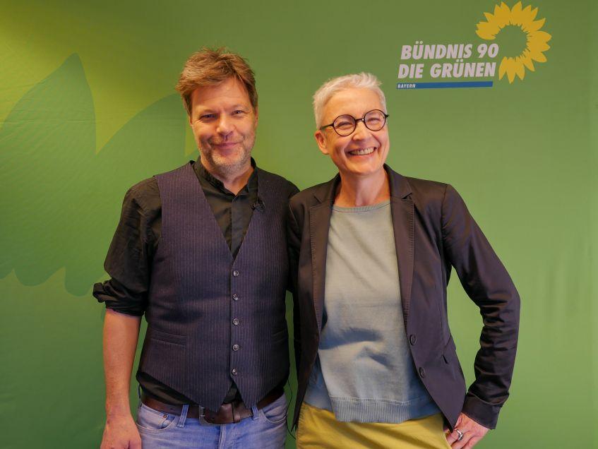 Robert Habeck, Bundesvorsitzender Bündnis 90/Die Grünen mit Martina Neubauer