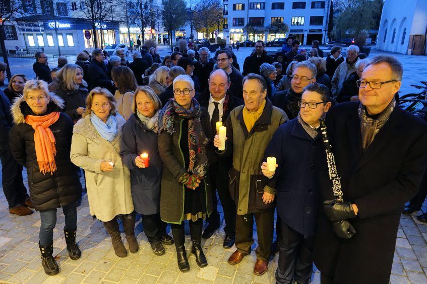 9. November – Veranstaltung auf dem Starnberger Kirchplatz