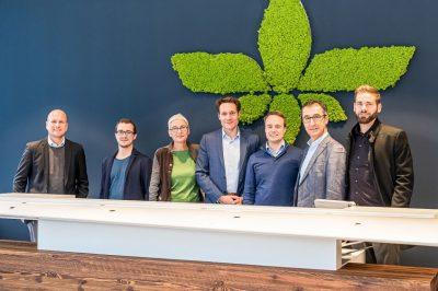 Martina Neubauer, Cem Özdemir (MdB), Ludwig Hartmann (MdL) und Bürgermeisterkandidat Sebastian Grünwald auf Besuch am 8. Januar 2020 bei der Firma Lilium in Oberpfaffenhofen. Dort wird jetzt schon an der Zukunft der Mobilität gearbeitet.